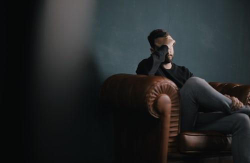 Τι διαφορά έχει ένας ψυχίατρος, ένας ψυχολόγος κι ένας ψυχοθεραπευτής;