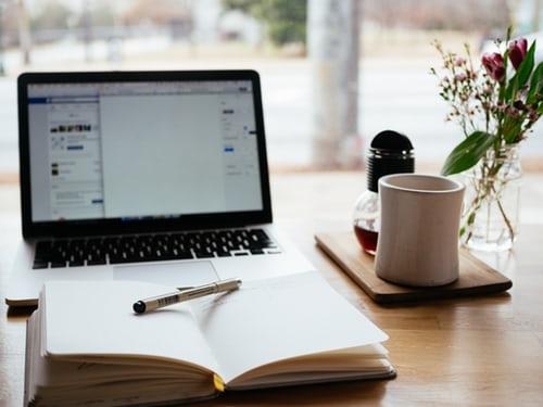 συγγραφή και μετάφραση άρθρων